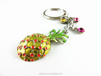 Cute Pineapple Factory Direct Promotional Gifts Decorate With Crystal Metal Custom Key Chain Wholesale