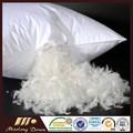 2-4cm plumas de ganso blanco para la venta cojines almohadas de material de relleno un precio más barato