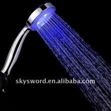 Las precipitaciones de moda y nuevo diseño de abs 3 colores led móviles a mano- celebrada ducha de cabeza