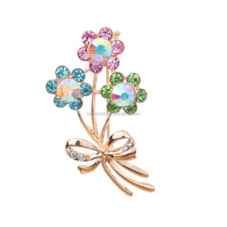 Wholesale Gold/Silver Plated Rhinestone Brooch Pin with Jewelry Flower Crystal Brooch for Lady Wedding Invitations