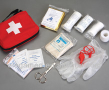 CE 13 kinds components red color travel first aid kit