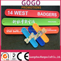 Professional high quality silicon snap band, fashion snap band silicone for adults and kids, Customized Metal Snap Bands in Gift