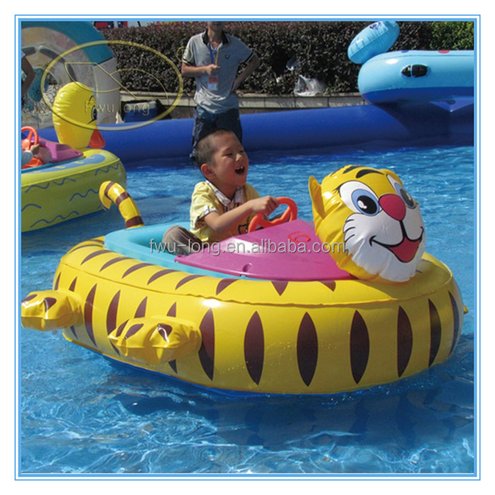 Amusement Park Adult Motorized Pool Bumper Boats In The