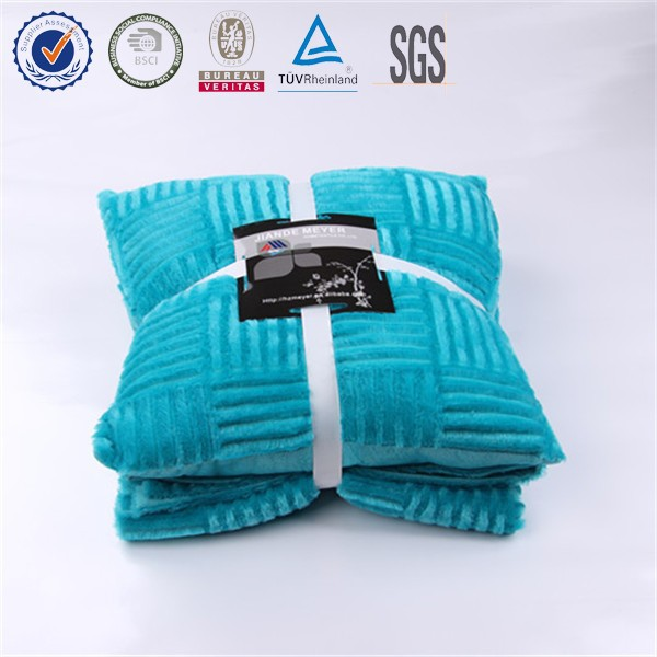 2015 Hot Super Cozy & Warm 100% Polyester Brushed Micromink Fleece With Cushion Double Throw Blanket
