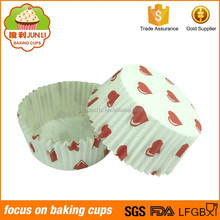 China Supplier Heart Printed Baking Cases Cupcake Packaging