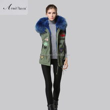 Facotory price fashion fully blue collar fur vest ,winter felman short fur coat with badge