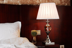 Eastern Luxury Home Furniture Lampshade Crystal Table Lamp for Bedroom Decoration