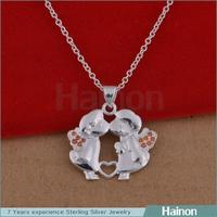 2015 wholesale tin alloy girl and boy love pendant necklace