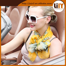 2015 wholesale fashionable brightly woven printed silk scarf S2018