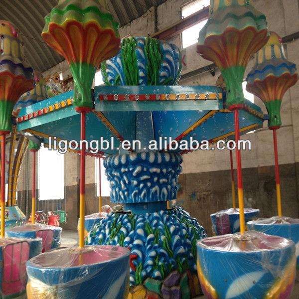 las medusas colorido parque de atracciones paseos