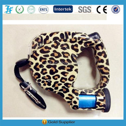 retractable dog leashes with bag and flashlight