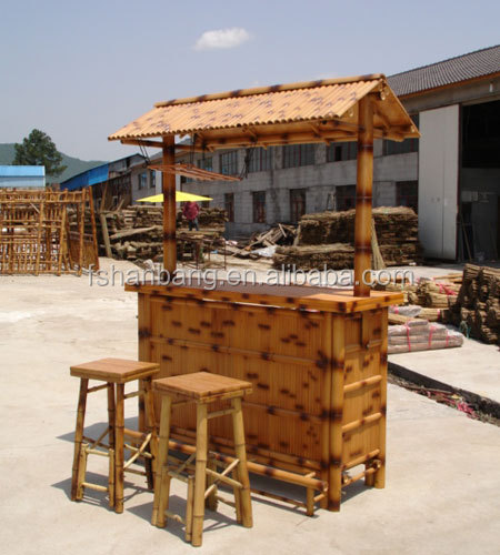 En plein air bambou contre tiki bar table chaise tabouret ...