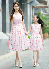 2015 spring and summer new high-quality embroidered floral fashion family dress