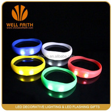 China Fashion Party Stuff Lighted Up Motion Sensor LED Silicon Bracelets