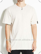 Blank design short sleeve two button placket T Shirt with jacquard label on sleeve hem