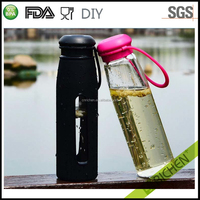 Germany market BPA free high hydration clear single wall insulated glass bottles mugs with PU cover