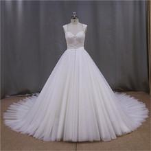 Keyhole back sheath white sweetheart sleevelss wedding dress