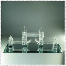 Excelente cristalina clara modelo de puente para recuerdo del viaje