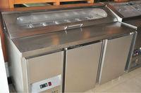 Pizza work table fridge and salad bar refrigerator on top