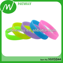 Changing color under sunshine UV silicone bracelets