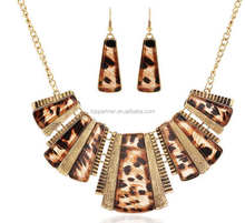 luxurious sexy leopard print lady crystal necklace