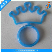 Hot selling fashion blue imperial crown silicone wedding ring
