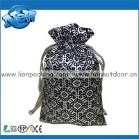 Alibaba china hot sale silk print cleaning pouch cloth