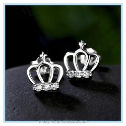 MECY LIFE Retro crown molding high-grade zircon white gold stud earrings