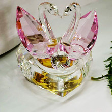 Beautiful Clear Crystal Heart Shape Music Box With Red Swans And Clear Crystal Diamond For Wedding Bridal Favors