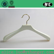 wholesale wooden clothes hangers