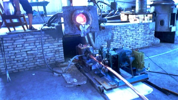 Medium frequency furnace casting2A.jpg