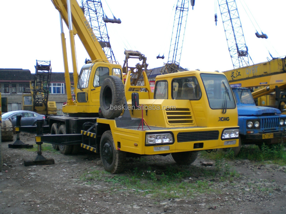 The Hydraulic Crane Is Used To Lift The 1400 : Used xcmg ton lifting hydraulic truck mobile crane