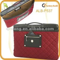 Slim lightweight quilted nylon 15 inch laptop carry case