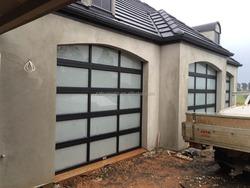 Australian Project Elegant Glass Garage Door/Automatic Aluminum Frame Frosted glass Garage Door Residential