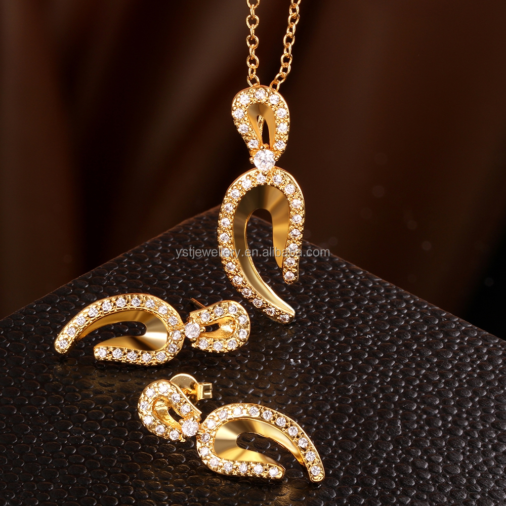 Expensive gold jewelry set