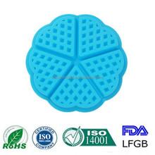 Hot sale silicone 5 holes heart shape waffe molds online selling silicone waffe cake molds