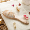 /product-gs/hot-saled-and-comfortable-fational-beech-and-grass-wooden-hair-comb-60292514707.html