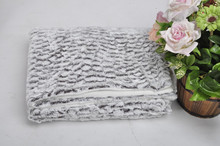 100% polyester fashionable bottom dyed face brushed fake faux fur blanket with wave design