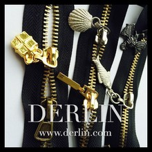 Gold Decorative Symbol Object OEM Custom Metal Zip Puller