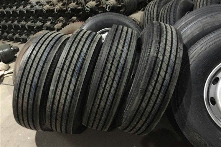 haute qualit avec prix concurrentiel en gros 11r24 5 camion pneus pneus de camion id de. Black Bedroom Furniture Sets. Home Design Ideas