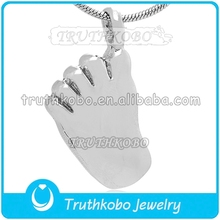 New Desin Funeral Supplies Sole of Feet Stainless Steel Urn Jewelry Pet Urn Ash Heart Cremation Pendant for Man