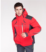 Breathable warm red skiing jacket for men with high quality