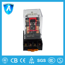 Socket mounting electrical relay