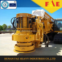 Pneumatic DTH drilling machine with hydraulic pushing motor