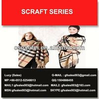 2013 best sells beaded crochet scarf for promotion using