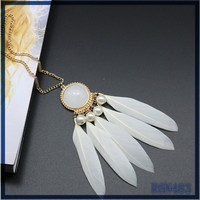 High quality necklace sweater chain in malaysia modern pearl necklace design beautiful white feather necklace