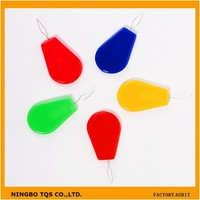 Cheap Mixed Color Teardrop Shaped Plastic Easy Needle Threader