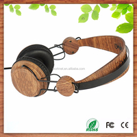 Shenzhen factory custom high quality music fashionable earmuff wood headphones with stereo sound