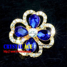 China wholesale 3cm small Crystal Jewelry Brooch in brooches
