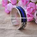 las mujeres azul bordado miao brazalete de plata